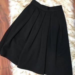 WAYF black pleated skirt. Like new!